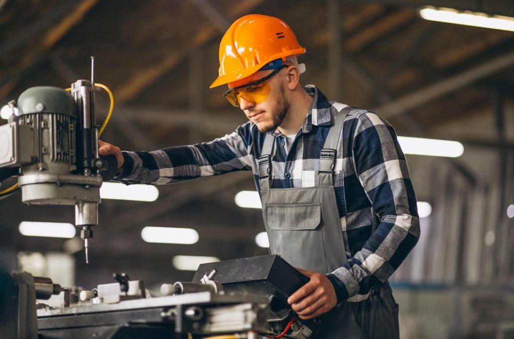 Nincs szakképzett munkaerő: majd megoldjuk okosba